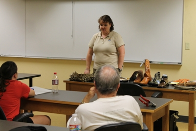 Alum Gena Horton Vasquez talks to the Natural Science Senior Seminar
