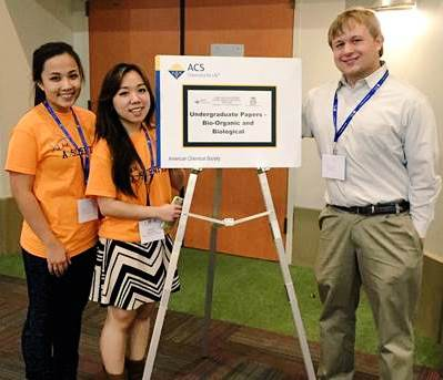 Students helping at the ACS Regional meeting